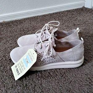 TOMS Women's Casual Shoe 🌸